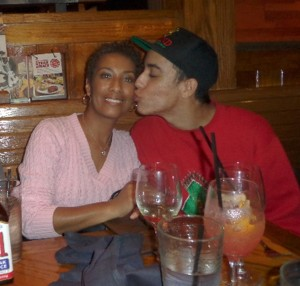 beau_kiss_momA